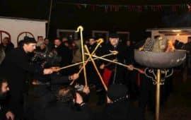 Το έθιμο των «φανών» στην Κοζάνη και οι «μπουμπούνες» της Καστοριάς
