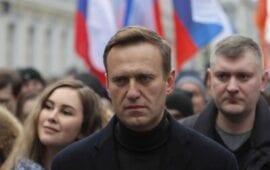 Θρίλερ με τη μεταφορά του δηλητηριασμένου ρώσου πολιτικού Ναβάλνι, στη Γερμανία
