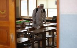 Κορονοϊός: Τα σενάρια για το άνοιγμα των σχολείων