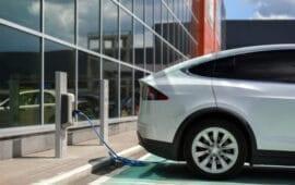 Πρόκληση αποτέλεσε η πανδημία στα ηλεκτρικά οχήματα