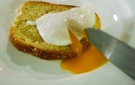 Πώς να κάνουμε αυγά ποσέ live kitchen