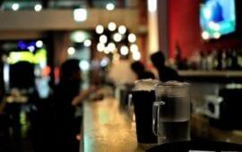 Κλείνουν μπαρ και εστιατόρια στο Βέλγιο – Απαγόρευση κυκλοφορίας 24:00 με 05:00