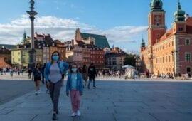 Πολωνία: Μερικό lockdown ανακοίνωσε ο πρωθυπουργός