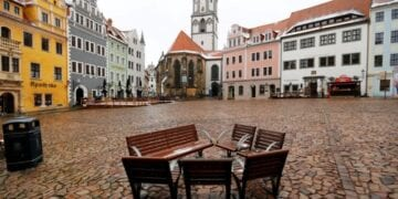 FILE PHOTO: A view of the market square amid the coronavirus disease (COVID-19) pandemic in Meissen, Germany, January 15, 2021. REUTERS/Fabrizio Bensch/File Photo