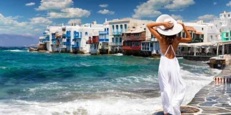 Tourismos1 Iefimerida 768x458 1 750x375