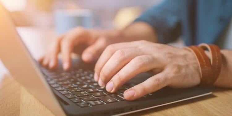 Shutterstock Internet 768x433 1 750x375