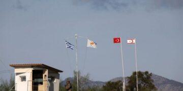 CYPRUS KYPRIAKO GREEK TURKISH FLAGS 790x400 768x389 1 360x180